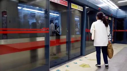 20190412 151642 西安地铁2号线开往韦曲南方向的列车进北大街站