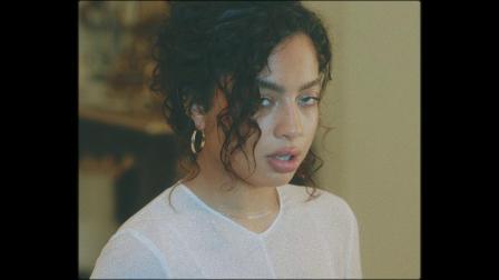 [杨晃]美国影歌才女Kiana Ledé 全新单曲 Mad At Me.