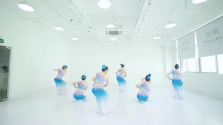 派澜 中国舞《灰姑娘》指导老师:陈敉拓