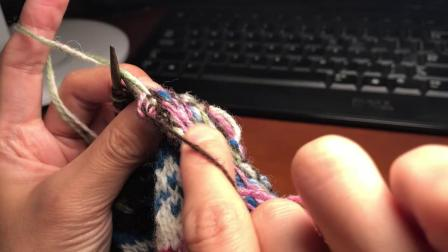 蓝花园3-一行两色以上带线方法及扭加针方法