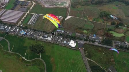 航拍滑翔伞飞行