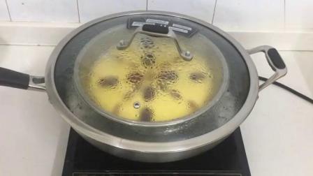 家常玉米面发糕的做法,搅拌几下上锅一蒸,来个中式蛋糕尝尝.mp4