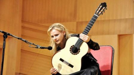 张家界丑石吉他独奏《镜中的安娜》