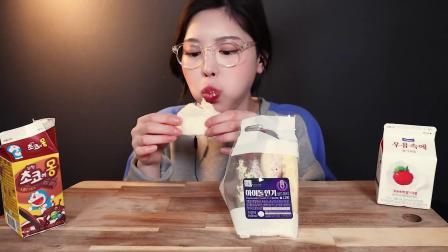 韩国吃播:便利店零食 紫菜包饭+火鸡面+巧克力牛奶三明治组合