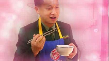 上海西点军训学校创始人品尝自己做的美食