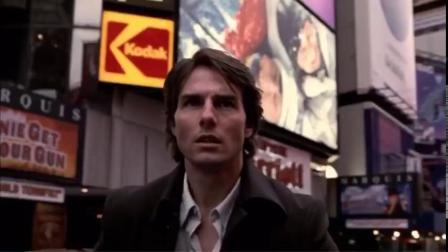 《香草的天空》开头,汤姆·克鲁斯在空无一人的时代广场里奔跑。当时剧组专门请警方封锁周边区域,在星期天早上八点前赶紧拍完。没想到20年后,空落...