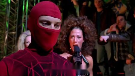 小伙参加地下黑拳,观众都以为他死定了,没想到小伙打赢了.mp4