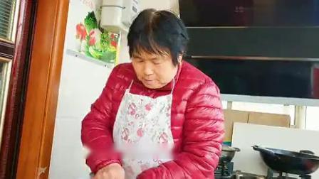 农村妈妈教你做香酥红薯条,香甜美味,做法简单,咬一口满嘴香.mp4