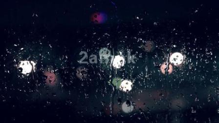 路面上的雨水雨滴-高清视频素材网站有哪些-凌晨两点视频素材网