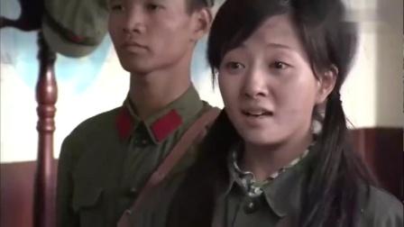 影视:女孩想当兵,不料报上父亲名字,司令员立马站了起来!