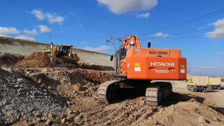 日立Zaxs520LCH挖掘机
