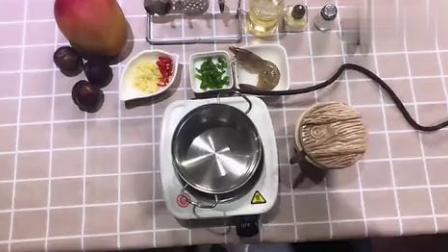 迷你小厨房做饭小视频,蒜蓉蒸虾,太可爱了.mp4