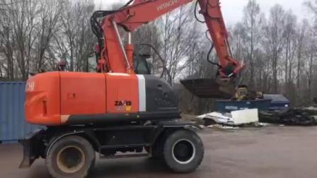 日立ZX 140 W轮式挖掘机