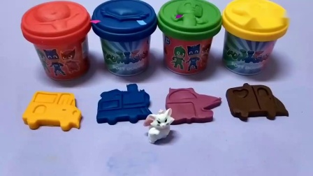 学习颜色玩Doh PJ面具造型黏土和运输模具惊喜玩具.mp4