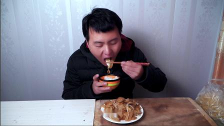 小伙自制——素炒莜面,太香了 恨不得把盘子都吃了