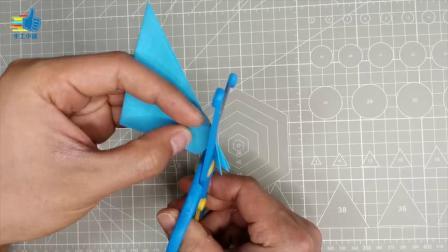 很简单的蝴蝶手工,一张纸就能做出来,幼儿园的小朋友都能学会.mp4