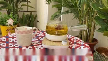 煮茶就要用鸣盏煮茶器,不仅操作简单,煮出来的茶颜色漂亮还好喝