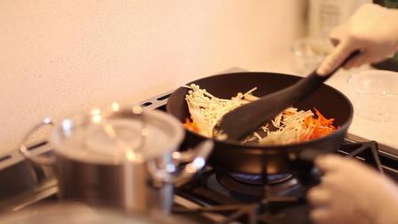 周末创新菜:霞多丽完美搭配黄玉大海参蛋皮汤,烤半成品蒜香面包及美味小鲍鱼