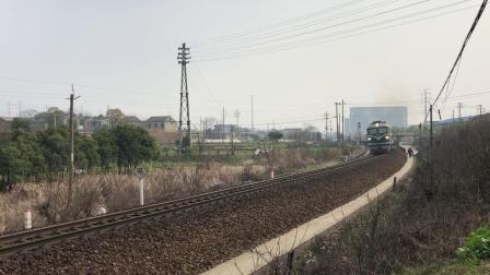 K4754次 DF4B6402 通过宁芜线K72KM采石站道口
