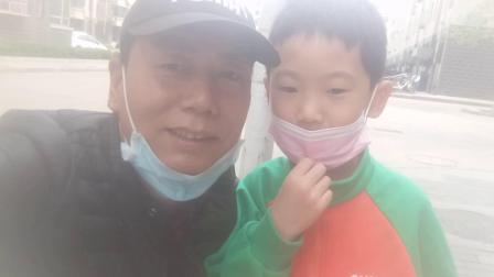 记住美好生活。留住美好记忆。南马村王健的孙孑王博之。拍摄于石家庄市金谈固家园。2020-04-06