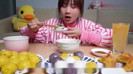 大胃王密子君情人节吃黄金蛋挞皮汤圆,一吃一大锅,超诱人.mp4