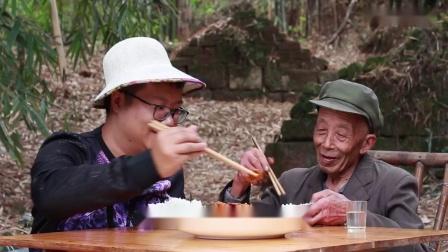 """四川名菜""""干煸肥肠""""教程来了,色泽红亮,外酥里嫩,越吃越想香_超清"""