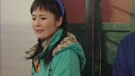 秀水街:姑娘大龙,竟发现大龙的工作是扫厕所,姑娘怒了.mp4