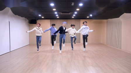 TXT 'Can't We Just Leave The Monster Alive?' Dance Practice
