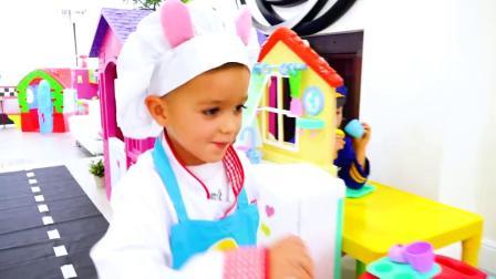 萌娃小可爱宝贝的移动小餐馆开始营业了,萌娃:你要的果汁和蛋糕做好了!