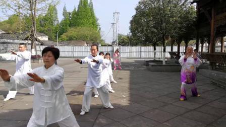 崇州市太极拳大队元通古镇展演