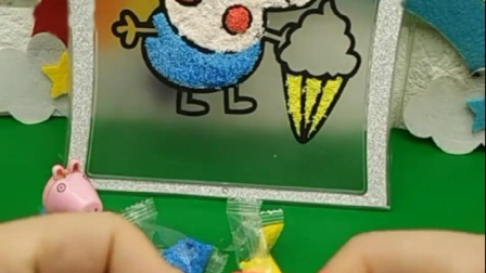 乔治用彩泥做冰淇淋,不知道该做什么颜色的,真是个暴躁的小乔治!