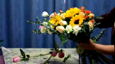 千家花园花艺培训之闺蜜系韩式风格包装的生日花束制作