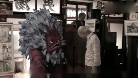 奥特Q:人类请怪兽帮他打扫房间,怪兽分分钟就搞定了!难以置信.mp4