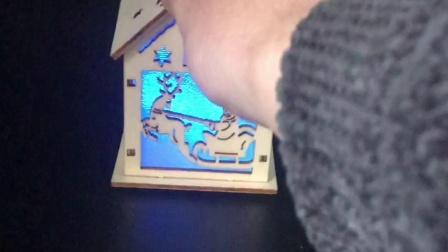 圣诞节装饰品 彩绘立体圣诞老人带灯小木屋 圣诞灯饰摆件 圣诞装饰新款木质小木屋圣诞LED发光木屋