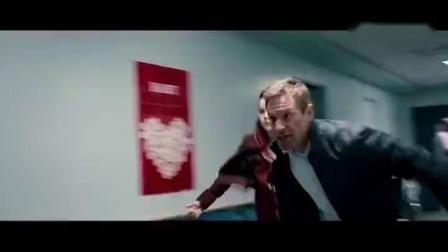叛谍追击:洛根刚要带女儿离开,又一名劫匪来了,又要逃跑了.mp4