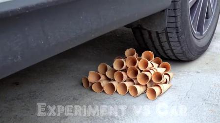 牛人把奥利奥饼干放在车轮下面,实在是太减压了,勿模仿!