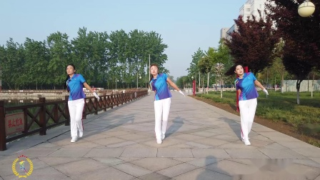 中国新时代第五套有氧健身操演示版 第八节
