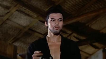 武林第一魔头挟持酒馆老板企图逃命,少侠扔出6把飞刀将他命.mp4