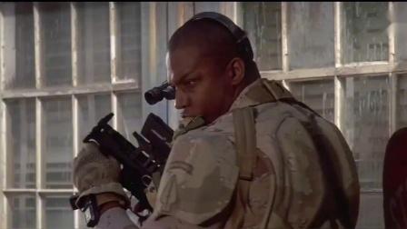 再造战士:这才是狠人啊,对自己就是划一刀,还用手伸进去取.mp4