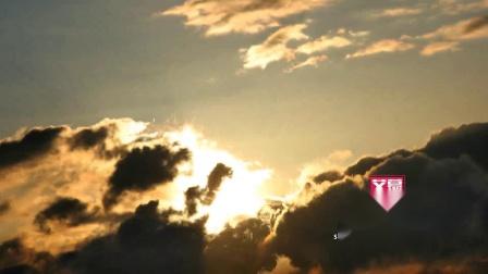 AM32760 多云的日出时间流逝 日出日落黄昏夕阳彩云晚霞山川云海自然风景延时摄影高清视频素材