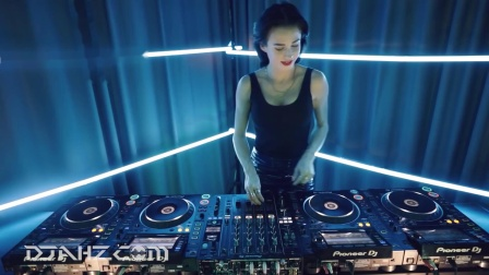 实力美女DJ Juicy M - 4CDJs混音2020
