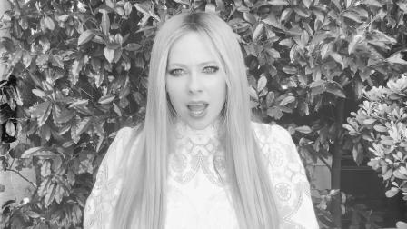 [杨晃]加拿大女歌手艾薇儿AvrilLavigne新单WeAreWarriors