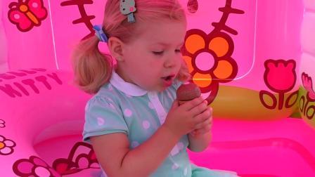 萌娃小可爱开了冰淇淋店,小家伙真是能干,美味的冰淇淋!