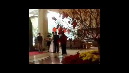共大同学前来参加我大儿子婚庆宴席视频片段