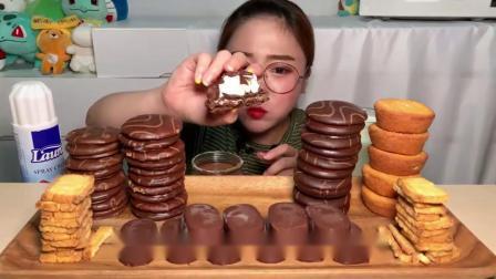 韩国吃播:巧克力冰激凌、绉布蛋糕、马卡龙,小姐姐吃的又甜又过瘾