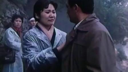 怀旧电影金曲1979春雨潇潇片尾曲·左威.flv