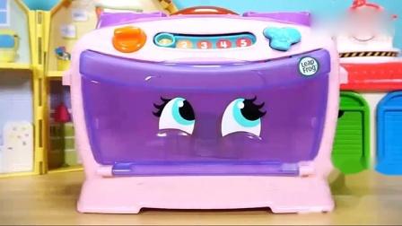 小猪佩奇玩具:面包烤好吃一块吧,真的吃不下太多了