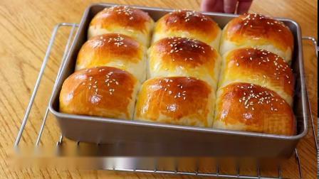 牛奶面包做法:基础配方,新手也能一次成功,松软拉丝,简单美味  @鲜城 @微博美食