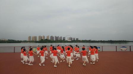 大冶市多姿舞蹈队 圆圈舞《野花香》