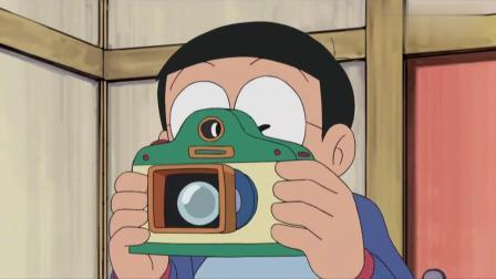 大雄用道具把哆啦A梦定住了,导致哆啦A梦没能吃到铜锣烧